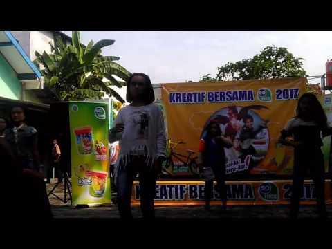 Video Cleopatra dancer SMPN 5 Nganjuk download in MP3, 3GP, MP4, WEBM, AVI, FLV January 2017