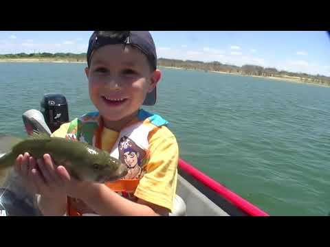 Little girl gives great fishin tips