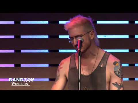 Video Walk The Moon - One Foot [Live In The Sound Lounge] (Wintrust Band Jam) download in MP3, 3GP, MP4, WEBM, AVI, FLV January 2017