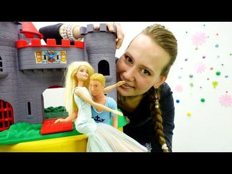 Видео для девочек: куклы БАРБИ. Кен спасает Барби. Игры для девочек. barbie (видео)