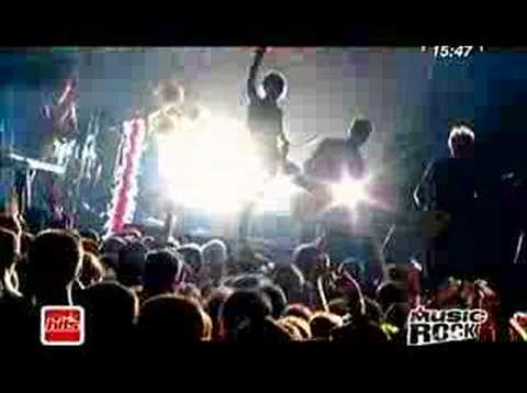 Tekst piosenki Superbus - Radio Song po polsku