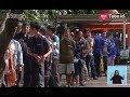 Antusias Warga Saat Tukar Uang Baru Yang Disediakan Oleh 14 Bank - INews Siang 22/05