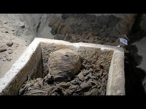 Ανακάλυψαν νεκρόπολη με δεκάδες μούμιες