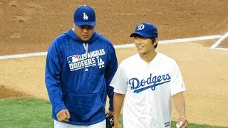 Video Ji-Sung Throws First Pitch @ Dodgers Today MP3, 3GP, MP4, WEBM, AVI, FLV Maret 2018