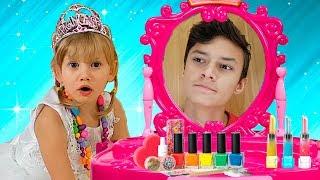 Video Alena and Pasha play the magic mirror Compilation by Chiko TV MP3, 3GP, MP4, WEBM, AVI, FLV Januari 2019