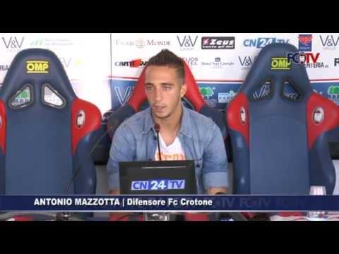 Calcio, Crotone: Mazzotta alla vigilia del Bari