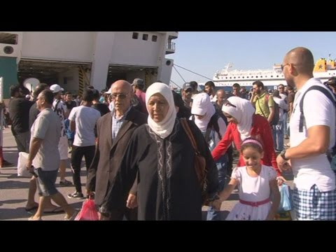 Αποβιβάστηκαν 2.500 Σύροι πρόσφυγες από το πλοίο «Ελ.Βενιζέλος»