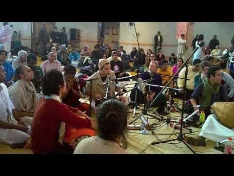 Video Hare Krishna - Mahamantra - The Kirtaniyas - Ashtaprahar, Toronto, Canada 2011 download in MP3, 3GP, MP4, WEBM, AVI, FLV January 2017