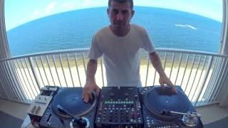 Co za kozak! Prawdziwy DJ na urządzeniach jakich nigdy nie widzieliście!