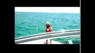 Borracho de Fiesta en un Barco