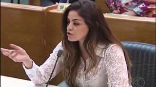 Pai reclama de cartilha com teor sexual entregue em Uberlândia