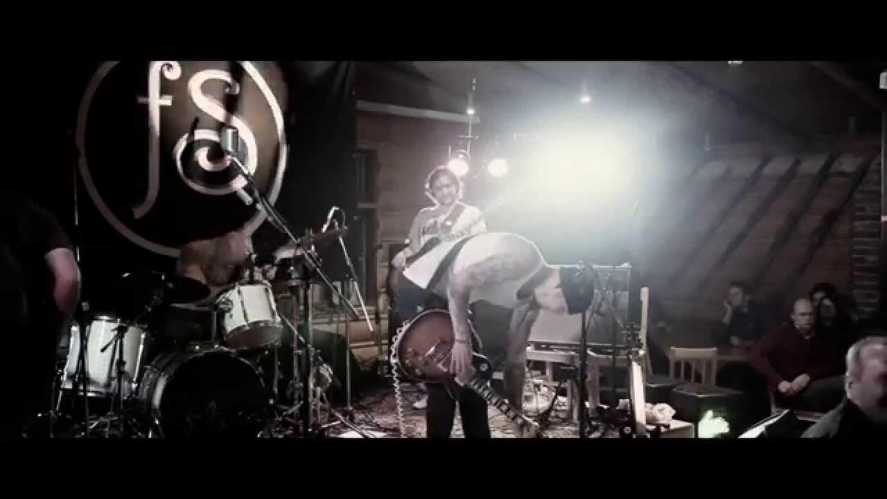 fylyp Skandal - Svitá /live/