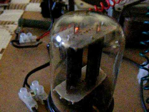 One tube regenerative radio (6SN7) Made in Chile 2009!
