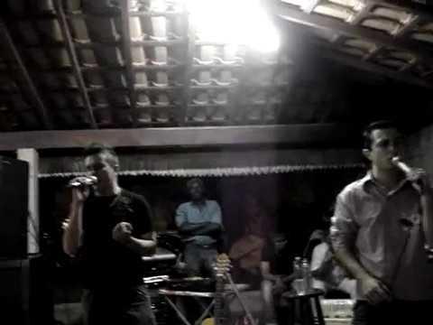Ivan Mozer e Michel cantando Fotos em Cruzeiro da Fortaleza - MG dia 02/05/2009