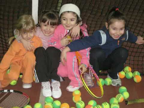 mini tennis match girls. 4-5 year old