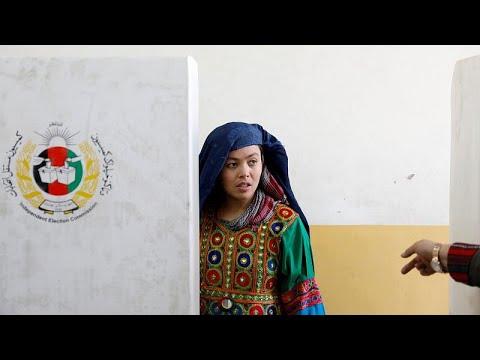 Afghanistan: Tote nach Explosionen überschatten Parla ...