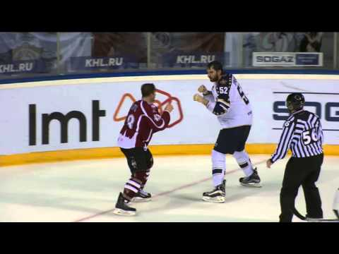 KHL Fight: former New Jersey Devil Tim Sestito VS former Edmonton Oiler Alexei Semenov (видео)