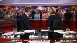 Video Queen photobombs BBC News MP3, 3GP, MP4, WEBM, AVI, FLV Januari 2018
