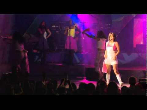 Alizee (En Concert) - Youpidou (видео)