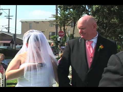 史上最扯新娘,竟然連結婚時也要滑手機!