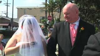 Funny Wedding Clip of Bride Texting Down the Aisle
