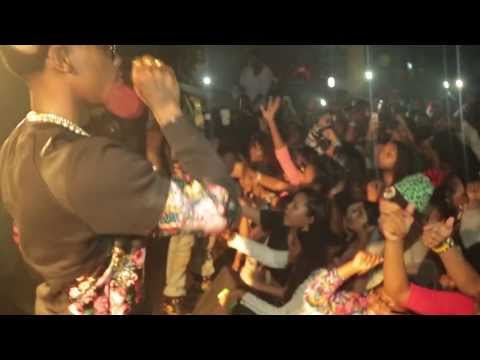 Offset Back – Migos Perform Hit Songs