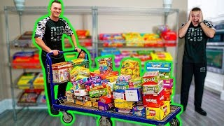 Video GIANT CANDY STORE IN MY HOUSE! MP3, 3GP, MP4, WEBM, AVI, FLV Januari 2019
