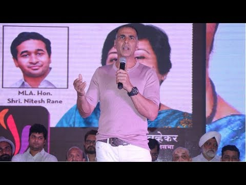 Akshay Kumar Speaking AMAZING Marathi At Versova Festival 2018
