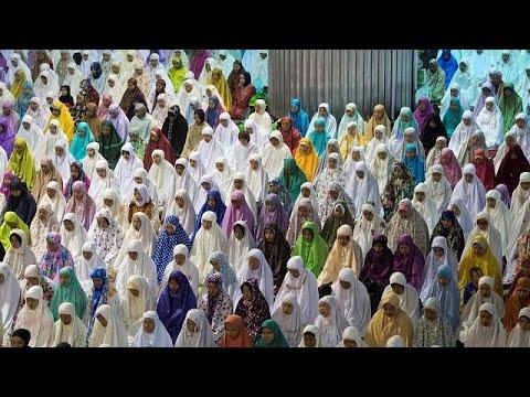 العرب اليوم - شاهد: صلاوات عيد الأضحى المبارك تتعالى في جميع البلدان العربية