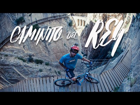 David Cachón at El Caminito del Rey on his mountain bike