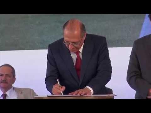 Geraldo Alckmin participa de inauguração de fábrica em Aguaí
