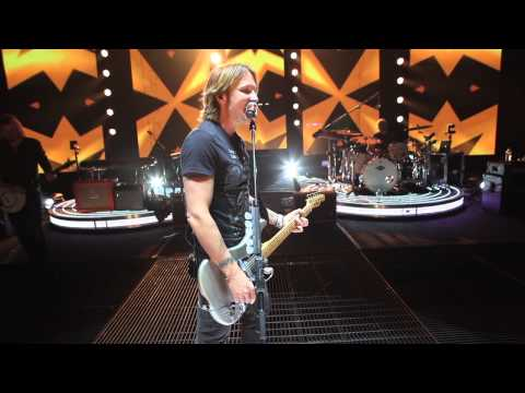 Go Behind The Scenes With Keith Urban
