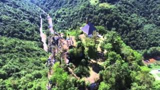 جامع كوشلات على قمة الجبل