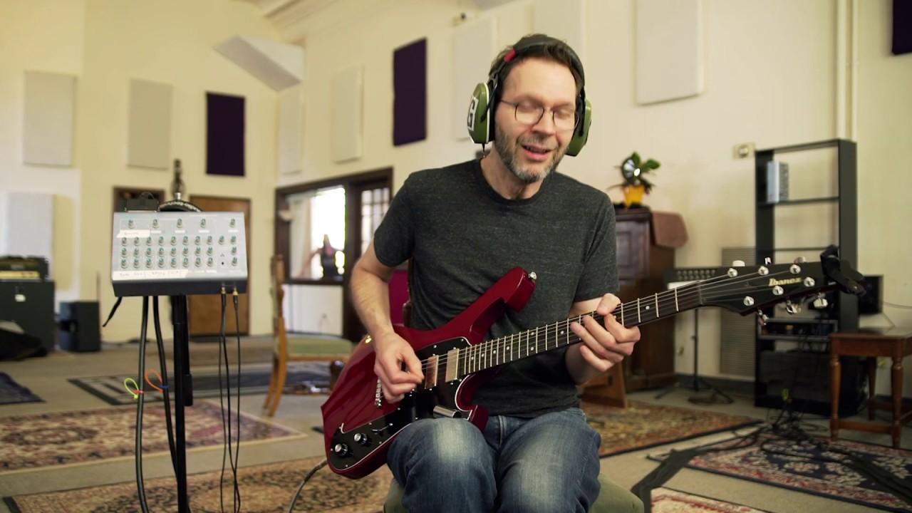 Paul Gilbert – Blues For Rabbit (Behold Electric Guitar)