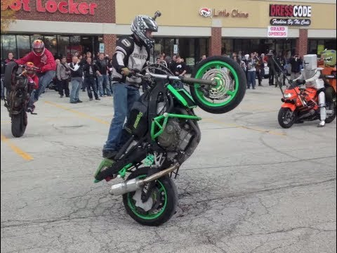 "600+ Motorcycle Biker Stunts Chicago Ride  ""DoomsDay 2013″"