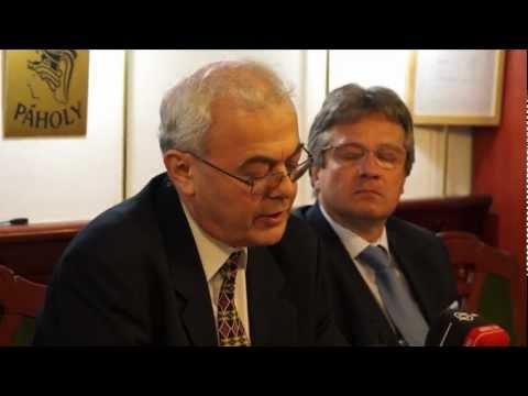 Új magyarságpolitikát szorgalmaznak