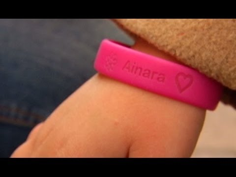 An entrepreneur from Granada intends to conquer the European market with personalized bracelets