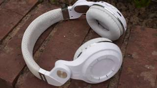 MASSIVE GIVEAWAY AT 1,000 SUBSCRIBERS! SUBSCRIBE AND TURN ON NOTIFICATIONS!What's going on guys? Welcome back to another video! Today we took a look at a pair of Bluedio T2+ Plus headphones. These are bluetooth headphones that cost just $25, so are they any good? Let's find out.....----------------------------------------------------------------------------------------------------------------------------------------------------------------------------------------------------------------------Buy them here (UK): https://www.amazon.co.uk/Bluedio-Turbine-Wireless-Bluetooth-Headphones/dp/B00Q30A1RIOr here (International/USA): https://www.amazon.com/Bluedio-Turbine-Wireless-Bluetooth-Headphones/dp/B00Q30A1RI----------------------------------------------------------------------------------------------------------------------------------------------------------------------------------------------------------------------Thanks for watching guys. if you enjoyed, smash the like button, subscribe and turn on notifications to be updated when I upload.These headphones sound fantastic for the price. Even though they look quite bad I recommend them on sound quality alone. Maybe take a look at the black colour? They look better............----------------------------------------------------------------------------------------------------------------------------------------------------------------------------------------------------------------------IMPORTANT GIVEAWAY INFORMATION: Once I reach 1,000 YouTube subscribers with the help of you guy, I will be giving away 3 pairs of Bluedio Vinyl headphones. Yes, 3, worth $70 each! So with the support of you, I can take this channel much further, bring you better content and of course, giveaway more expensive items.Business inquiries and review requests: please visit my about page, you will find my contact email address there. (Serious enquiries only).