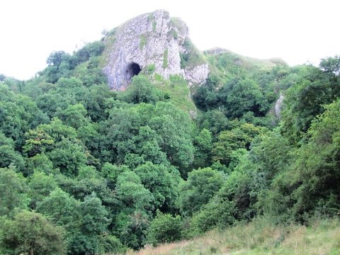 Peak District Country Walk - Manifold Valley-Ecton Hill-Wetton-Thor's Cave round