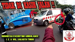Video ESCORTING AN AMBULANCE || Alhamdullilah PASIEN AMAN #11 MP3, 3GP, MP4, WEBM, AVI, FLV Oktober 2018