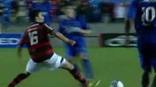 Com maioria de jogdores de base, Flamengo perde para o Cruzeiro, num marcanã chuvoso po 2x1 de virada...