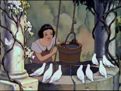 La canzone di Biancaneve quando incontra per la prima volta il Principe Azzurro