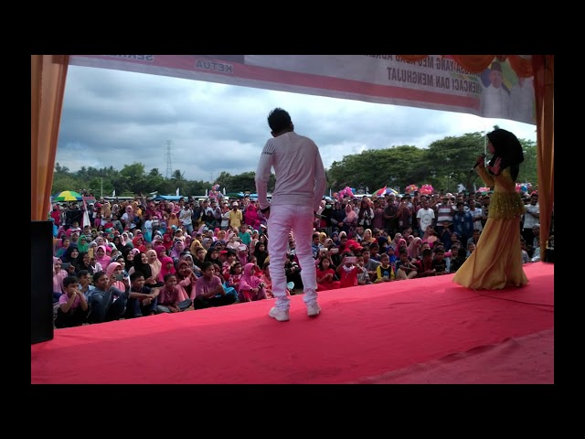 Kampanye Jokowi-Ma'ruf di Bireuen, Sofyan Daud Berorasi Sebagian Massa Pulang