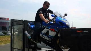 8. Mon 750 GSXR K5 20th anniversary au passage au banc au 10 ans de motoland a seclin le 09/06/2013