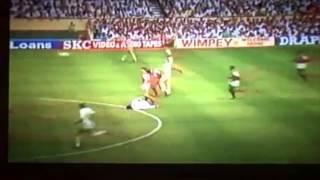 Steve Nicols Kopfball gegen Arsenal (ab 1:19)