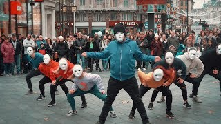 Video Epic Proposal Flash Mob - Guy joins in and is AMAZING! MP3, 3GP, MP4, WEBM, AVI, FLV Maret 2019