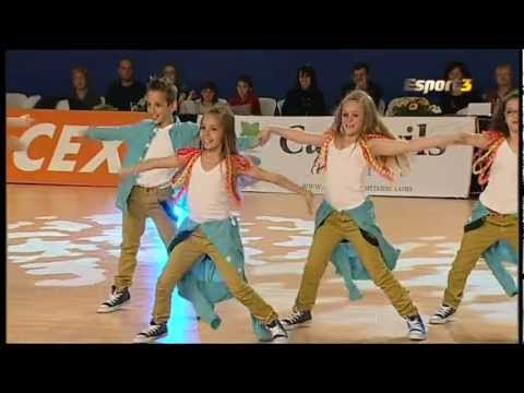 hiphop - https://www.youtube.com/watch?v=WuQfo83Vhrw Mini Littles Quality 1º puesto Catg. Infantil Campeonato hip hop ThatsFly Dance Cambrils 2012. Claudia Martin, Ar...