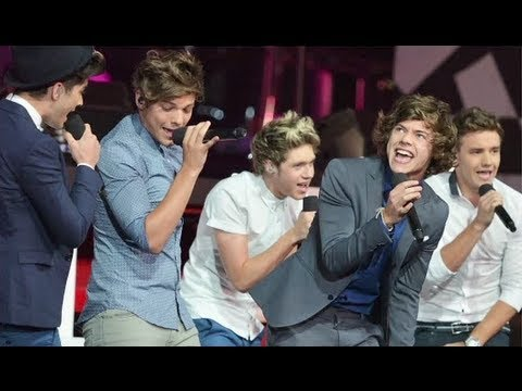 sneak peek new music - One Direction 'Best Song Ever' Sneak Peek! Subscribe to Hollywire | http://bit.ly/Sub2HotMinute Send Chelsea a Tweet! | http://bit.ly/TweetChelsea Follow Hol...