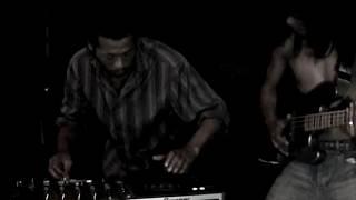 Download Lagu DJ GUCCI & ROLF RAZA - SCRATCH BASS Mp3