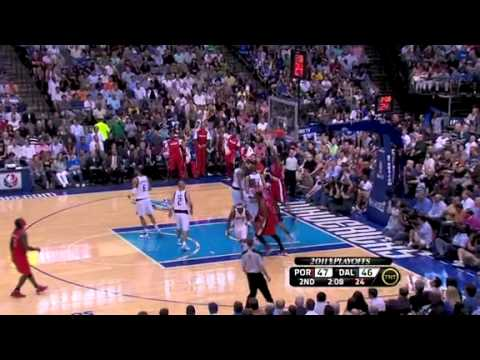 Game 2: Miller to Aldridge alley-oop dunk on Mavericks
